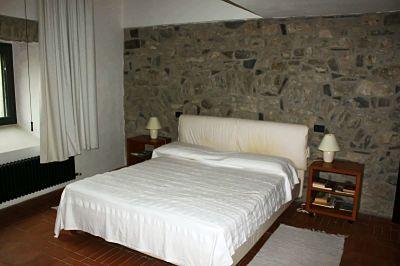 la casa in Lunigiana: la camera da letto