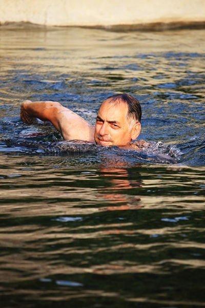 il lago Palino consente all'Eremo Gioioso di essere un B&B con piscina ...e che piscina!